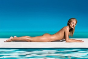 kate-moss-models-nude-for-st-tropez-campaign-01-630x420